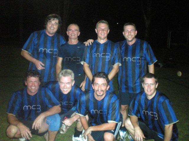 Back: L-R BobinOz, Denis, Mark, Andy... Front: Davey, Iain, Ian and Jason