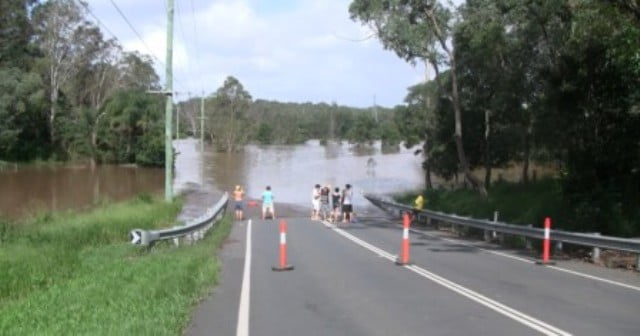 Anstead, Brisbane - Flooded