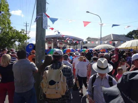 Bulimba Busy for the Live Music