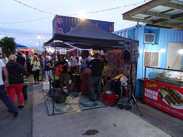 how to get from brisbane to eat street markets