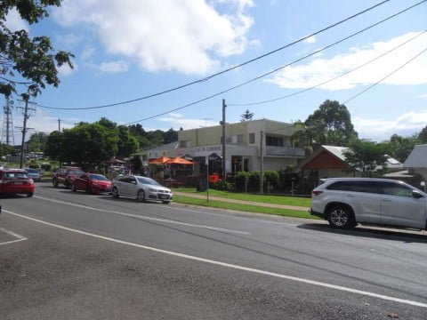 mt tamborine shops