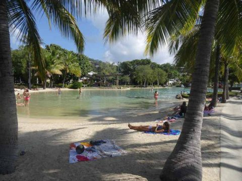 airlie-beach-lagoon
