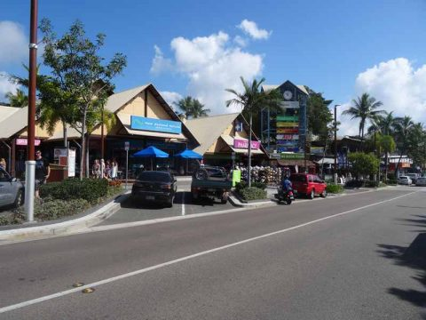 airlie-beach-town