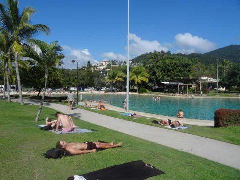 airlie-beach-busy